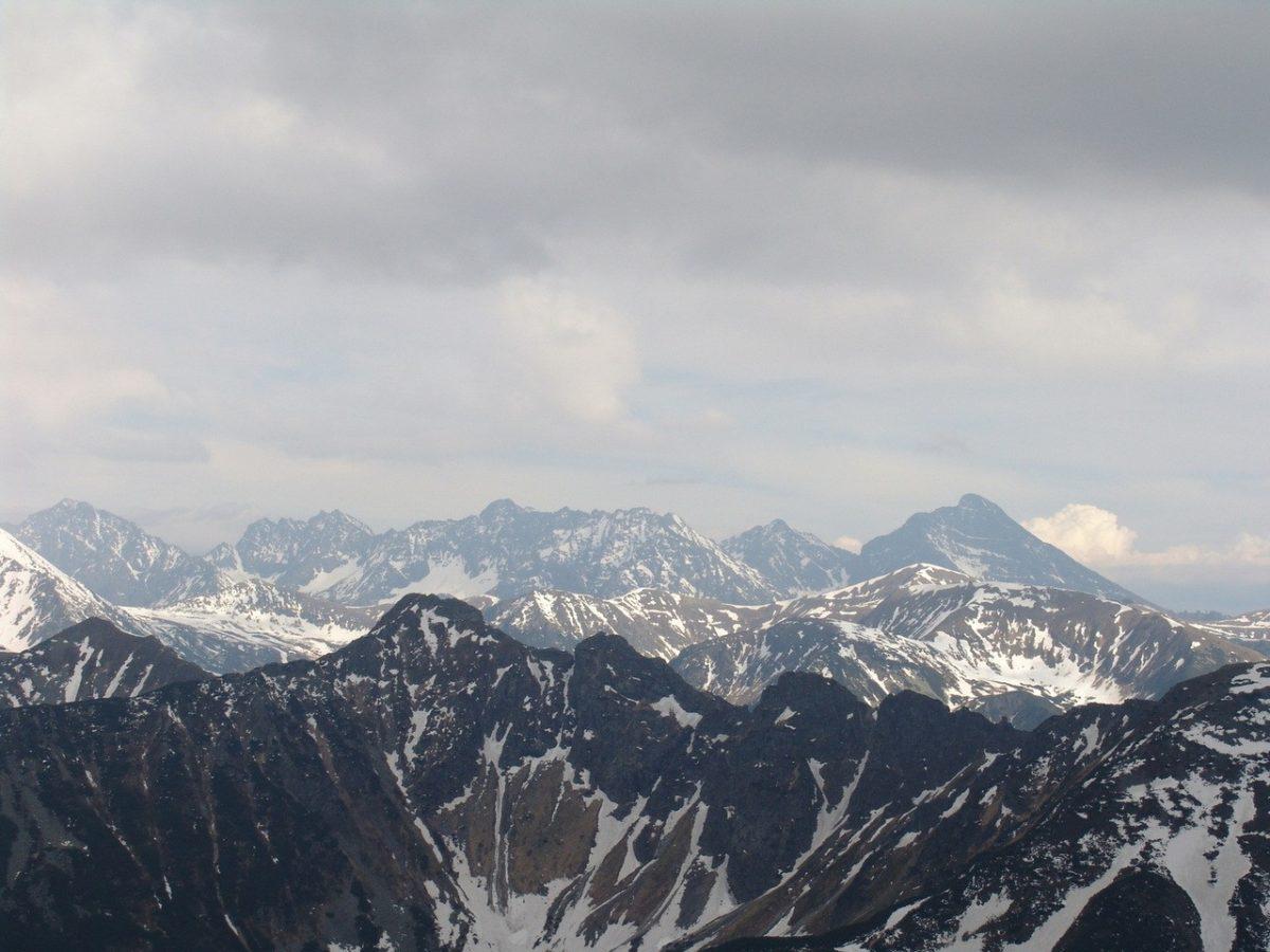 Rodzinny urlop zimowy w górach